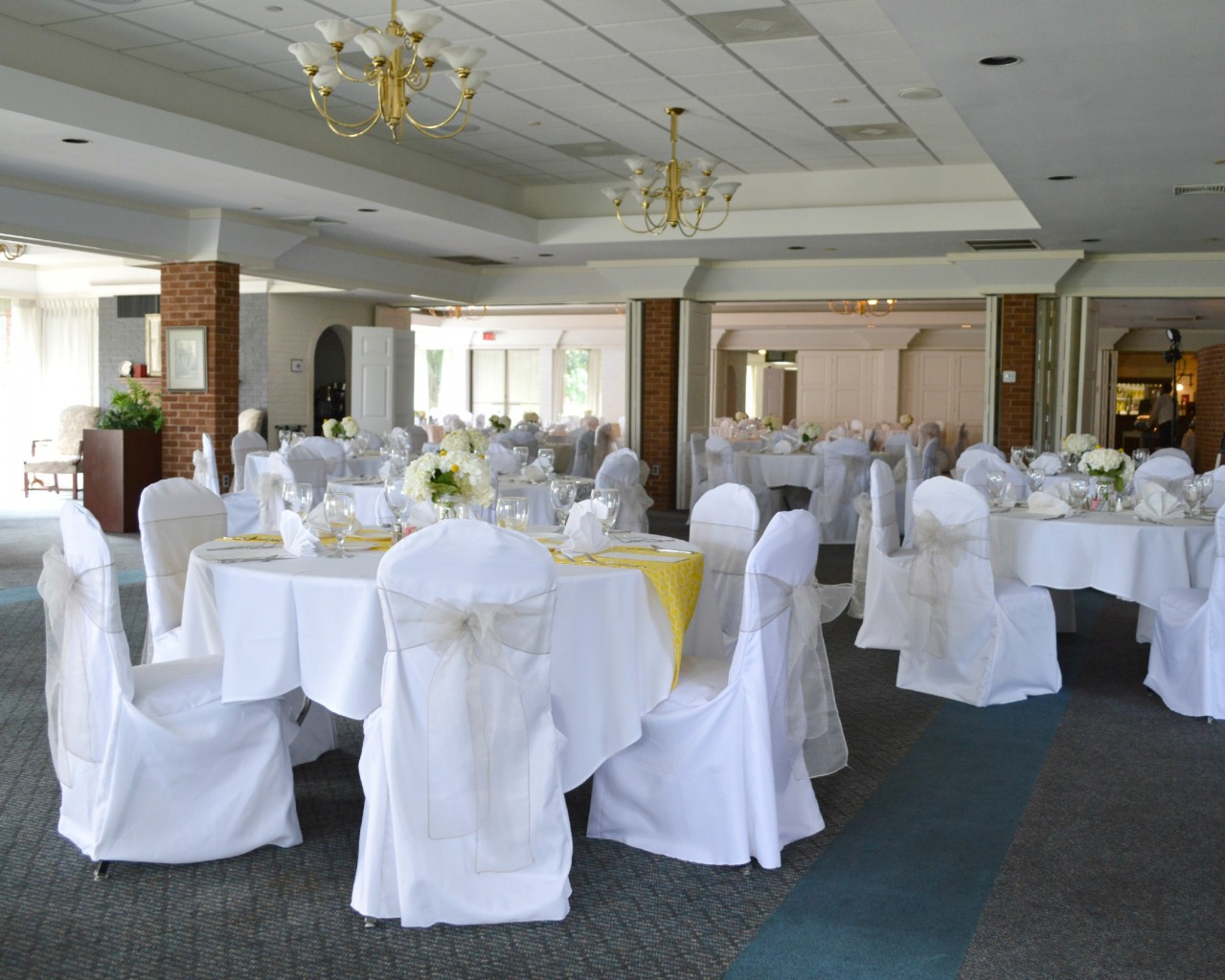 Weddings And Private Events Meadowbrook Country Club - Country house at bluestone wedding